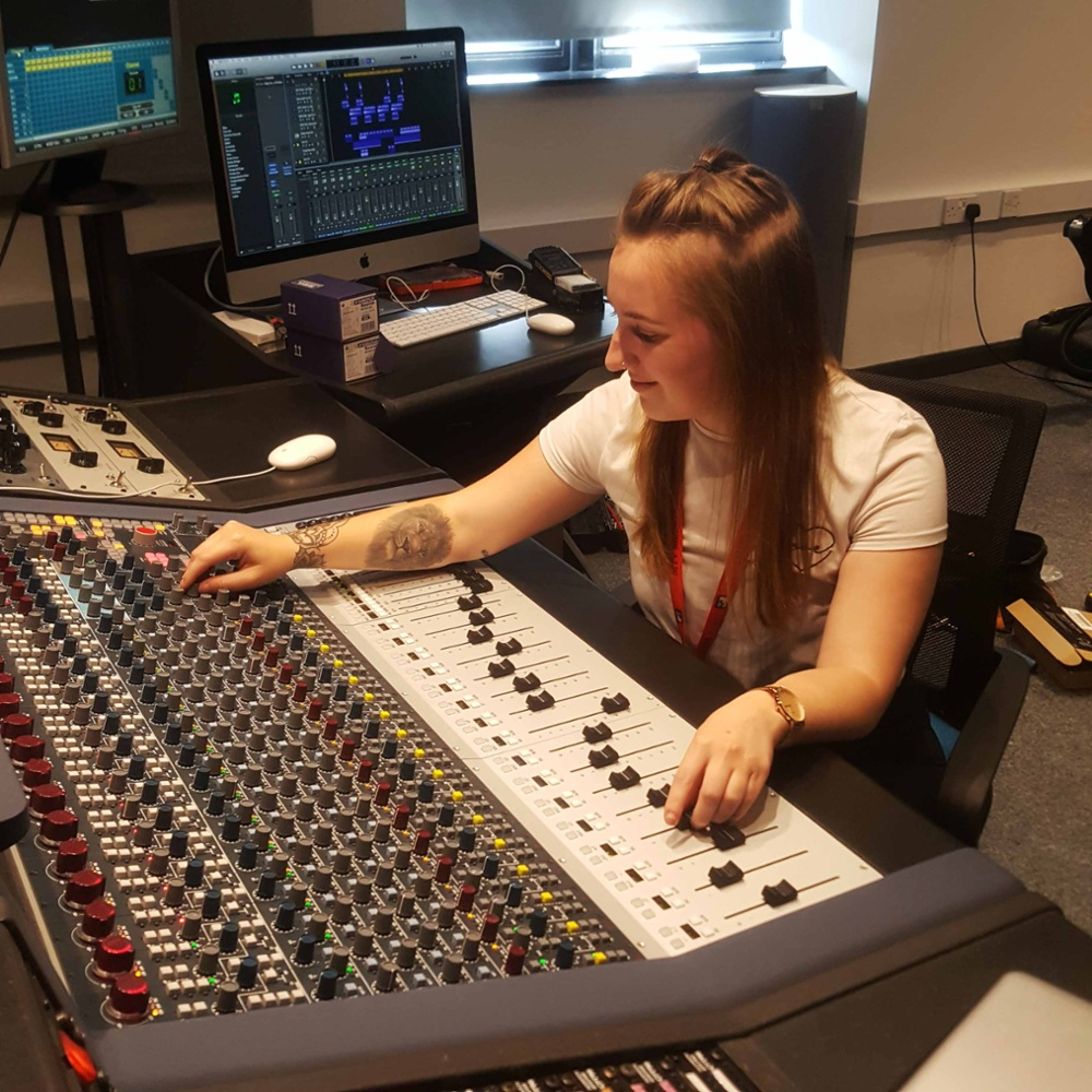 Em Morley Mixing in dBs Music's Neve Suite