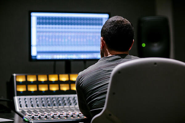 Hone Your Demo - 11 pro tips to breaking into the music industry